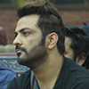 Bigg Boss 10 - Manoj tries to touch Mona inappropriately